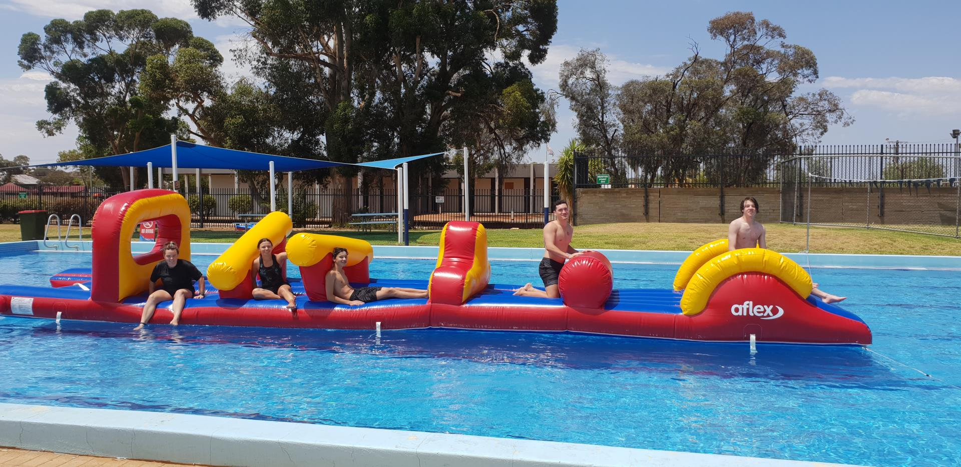 Free entry to Coolgardie Pool this summer