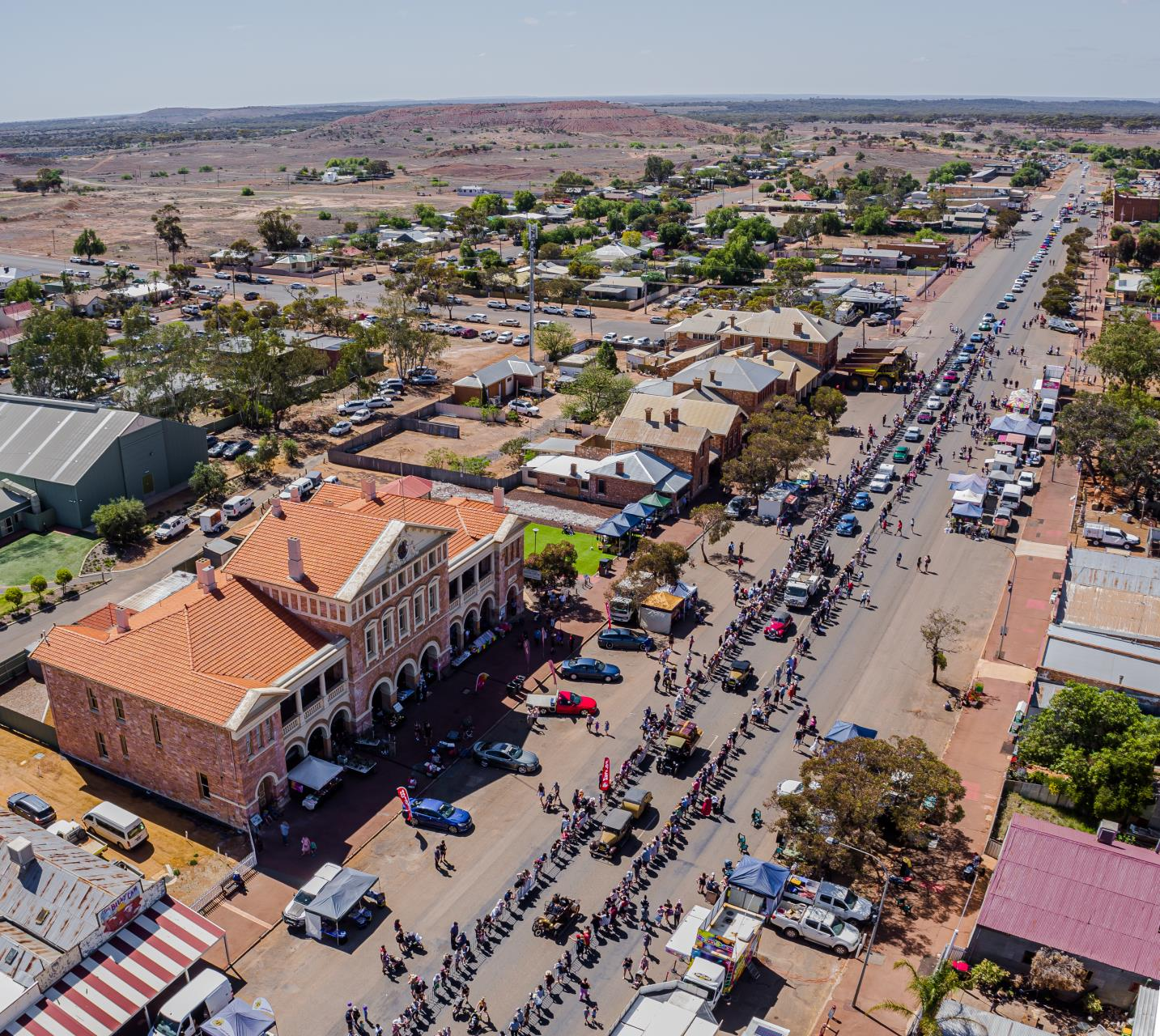 Coolgardie Day draws crowd of 20,000